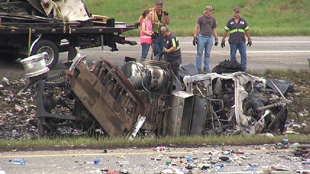 Fiery crash closes part of Interstate 65 - With Slideshow   WBMA