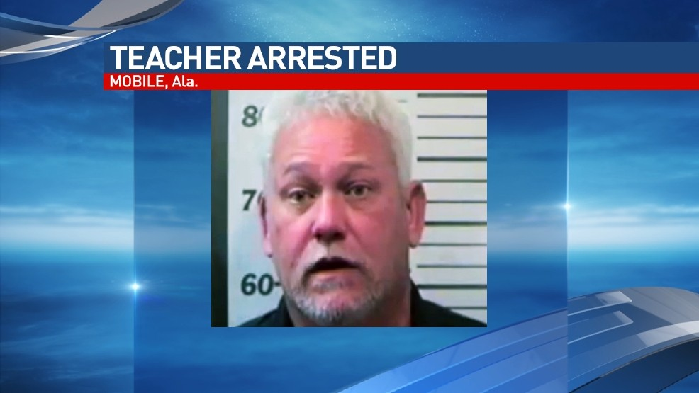 Mobile high school teacher accused of showing student photos