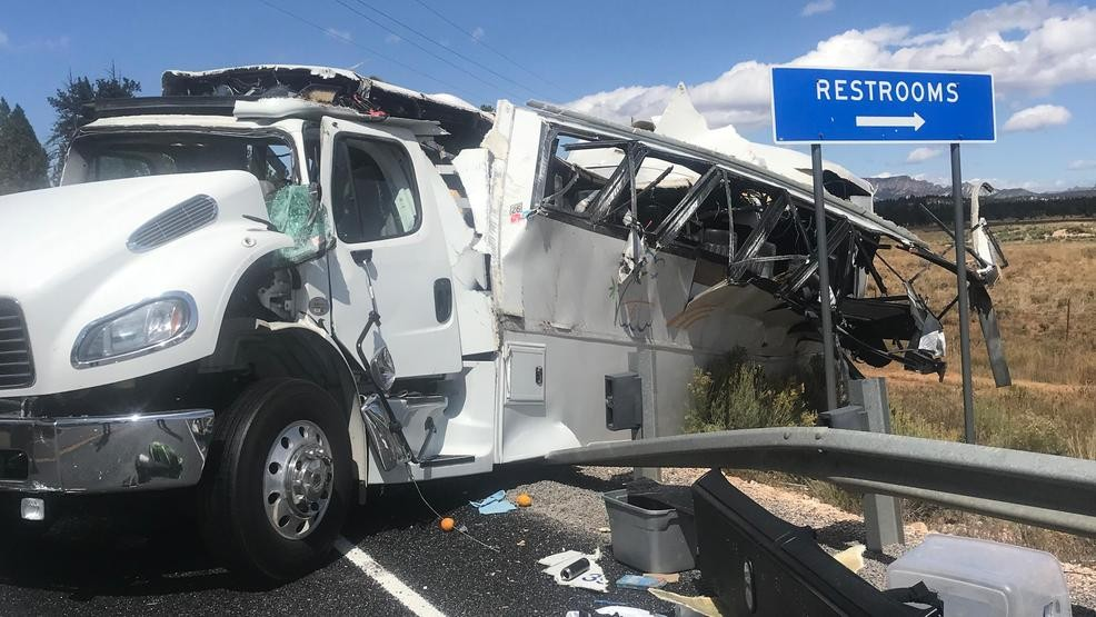 4 Dead Many Critically Injured In Tour Bus Crash Near Utah National Park Wbma