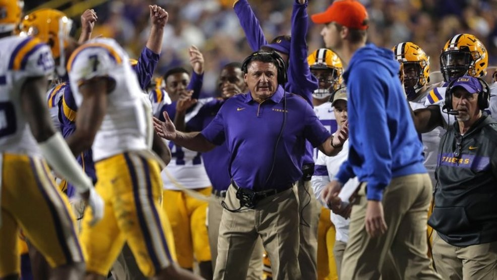 Lsu Knocks Alabama Out Of 1st Place In Latest Ap Top 25 Poll