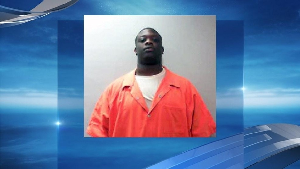 Talladega County Jail corrections officer charged with